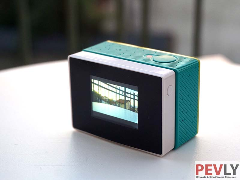 LCD display for Xiaomi YI solves one of the most common problems with this tiny camera.