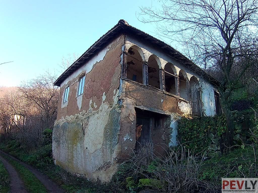 EKEN H9 photo sample house