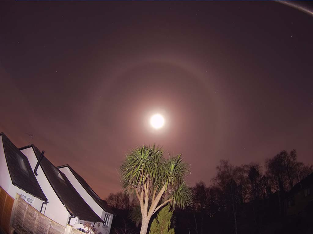 Moon Halo Credits : Nigel Savidge