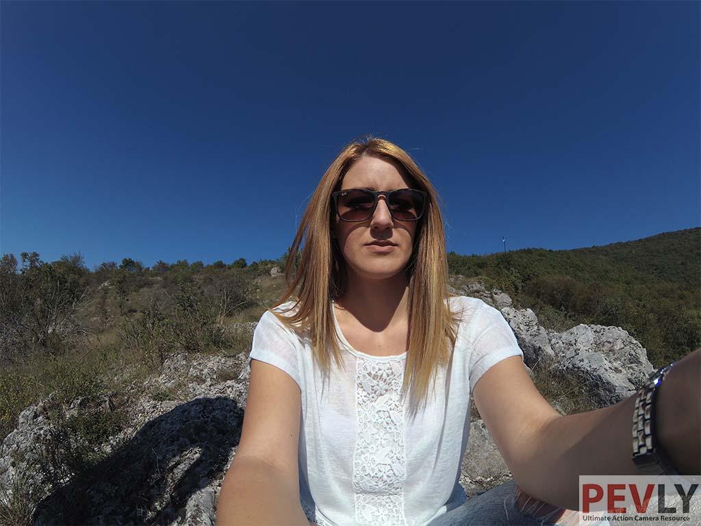 yi2-4k-sample-2-selfie