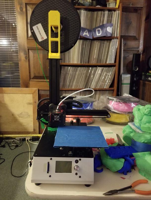 Photo: Tevo Michelangelo printer on desk.